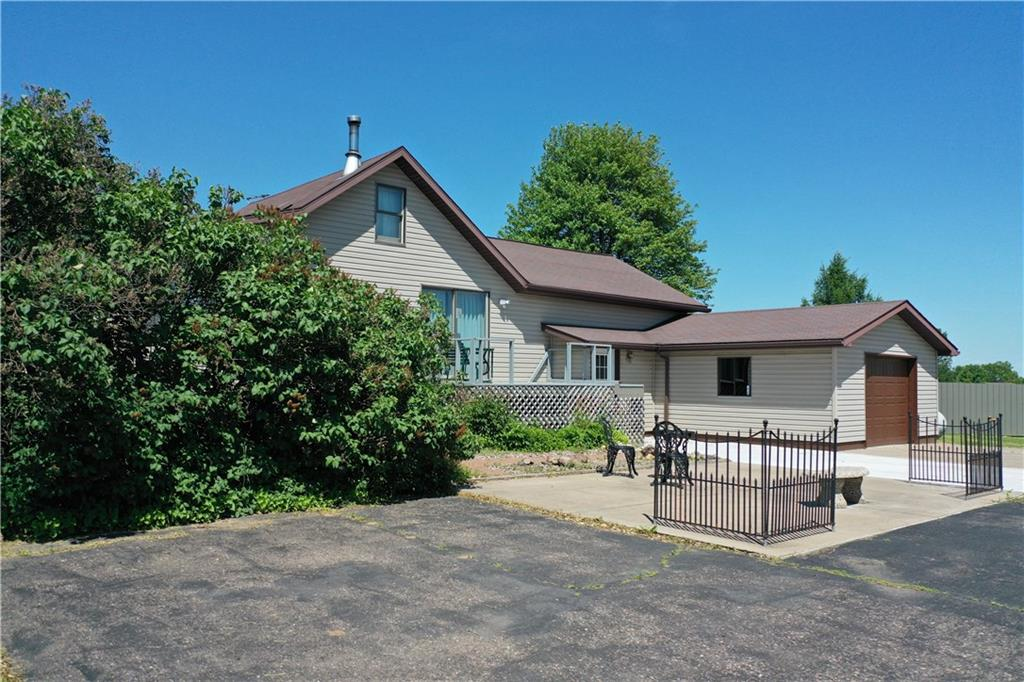 189 27th St Property Photo - New Auburn, WI real estate listing