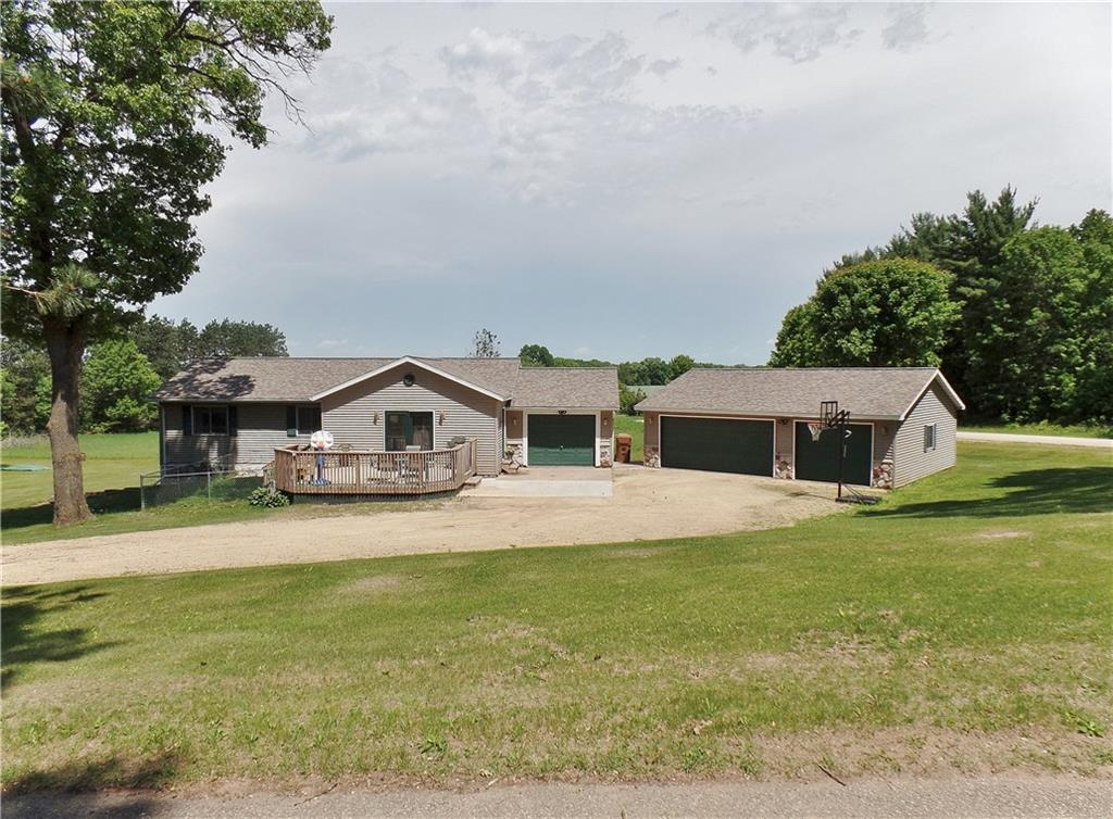 W5066 Maple Ridge Lane Property Photo - Durand, WI real estate listing