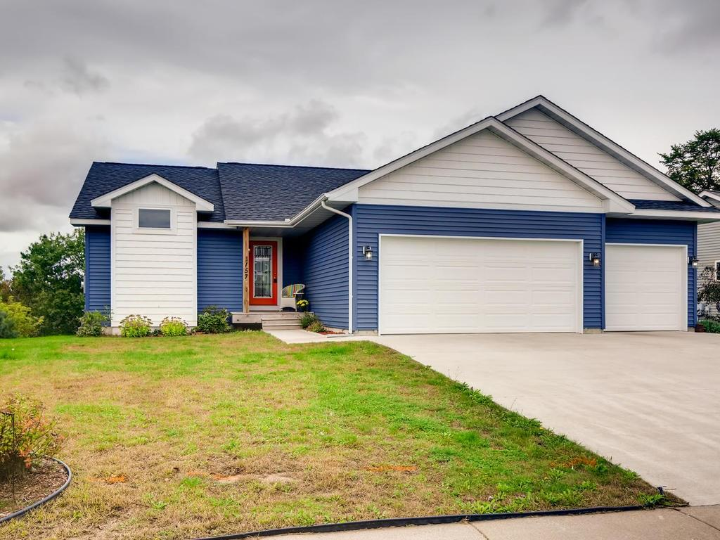 1157 Tamarack Place Property Photo