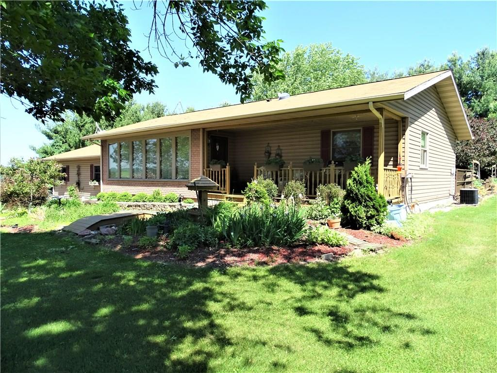 N6880 Hayes Road Property Photo - Durand, WI real estate listing