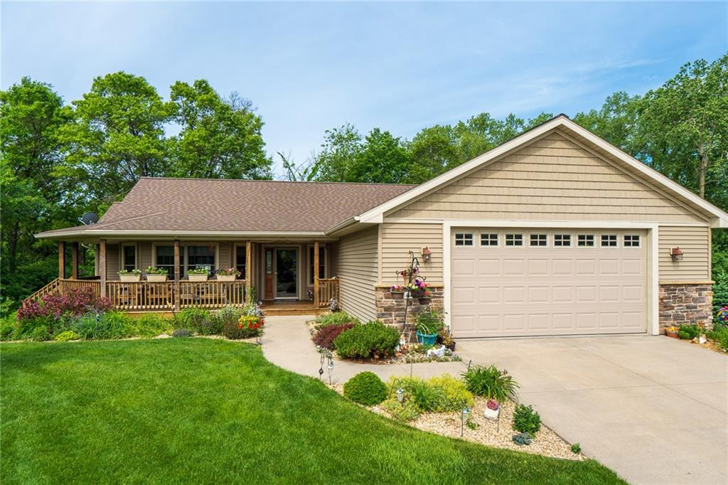 442 Douglas Court Property Photo - River Falls, WI real estate listing
