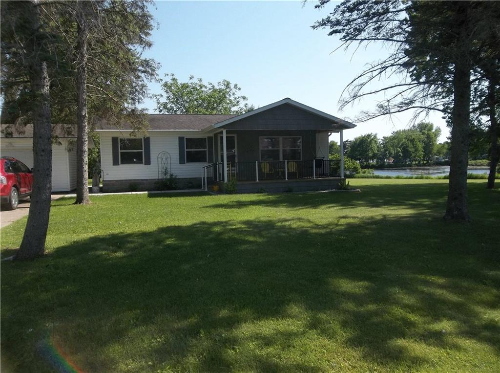 124 W 8th Avenue Property Photo - Stanley, WI real estate listing