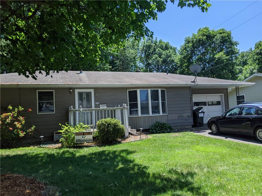714 Roosevelt Street Property Photo - River Falls, WI real estate listing