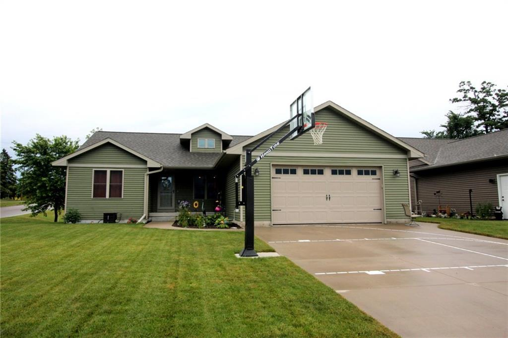 623 Autumn Drive Property Photo - Altoona, WI real estate listing