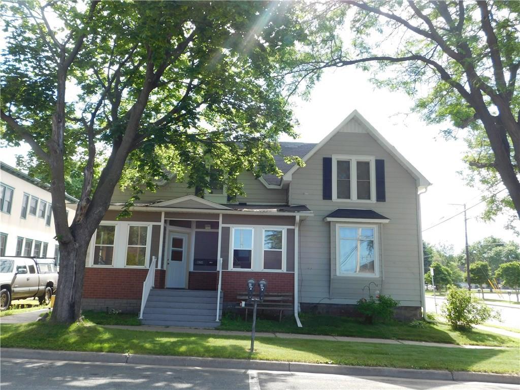 820 5th Street E #1 & 2 Property Photo