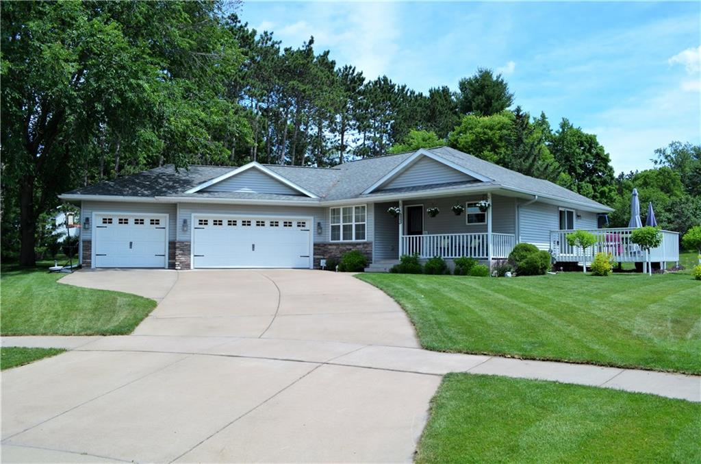 2502 Avery Lane Property Photo - Altoona, WI real estate listing