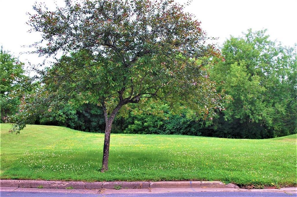 607 Lake Avenue E Property Photo