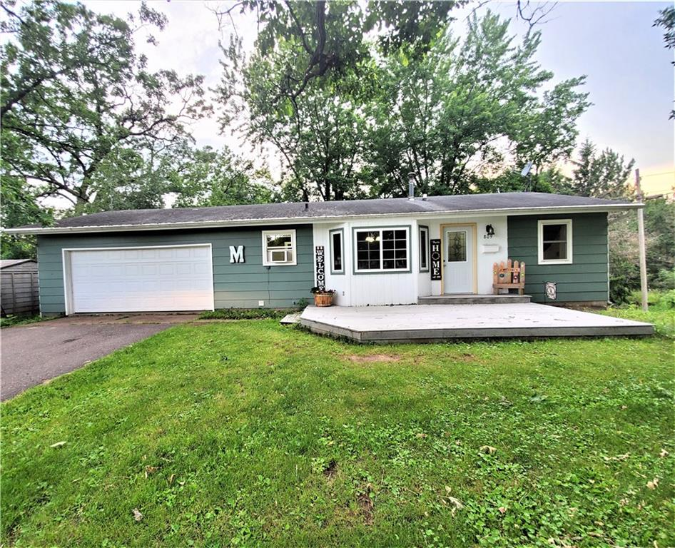 809 E Woodland Avenue Property Photo - Barron, WI real estate listing