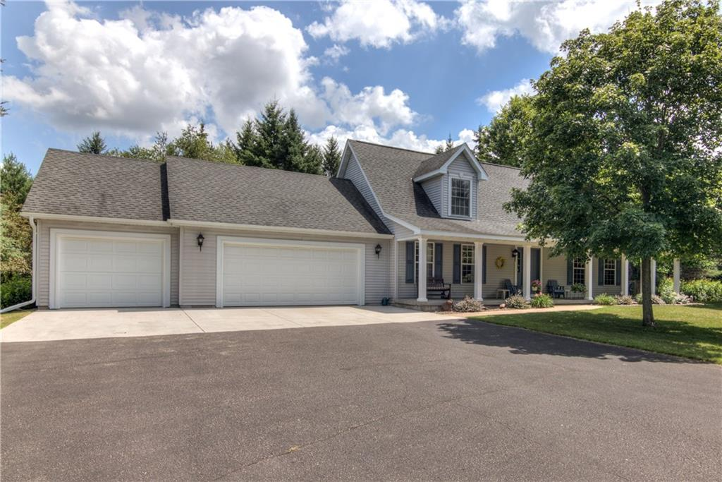 S8441 Michael Drive Property Photo - Eau Claire, WI real estate listing