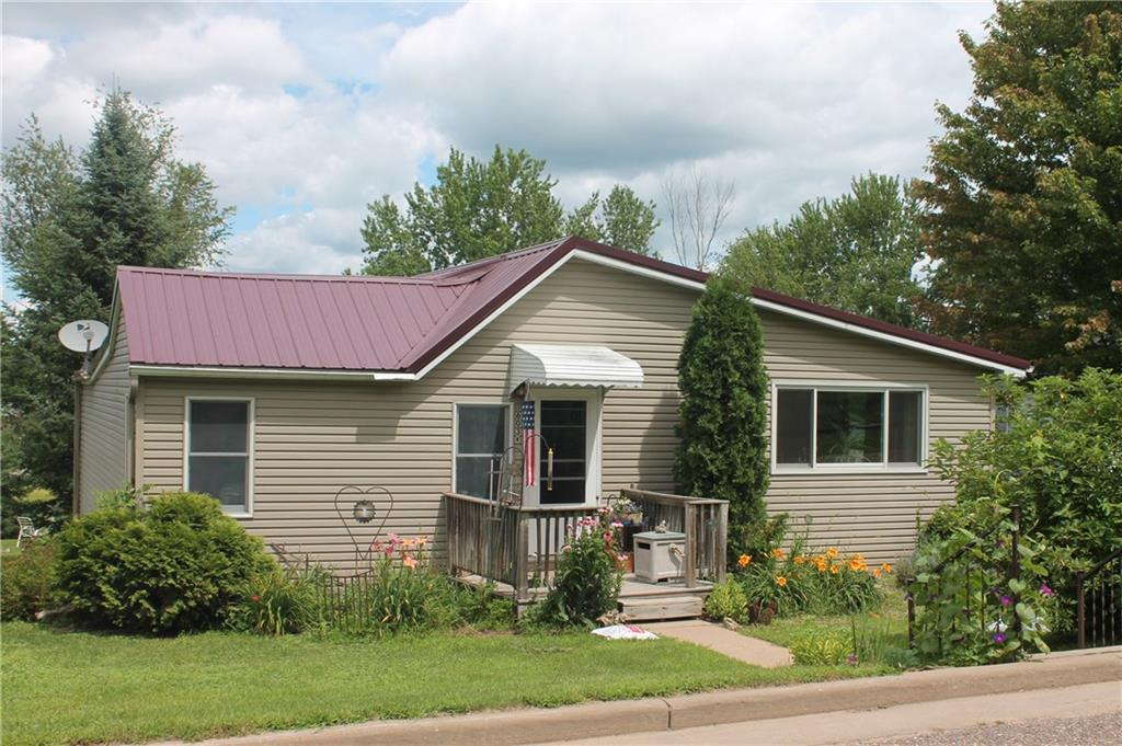 603 2nd Avenue W Property Photo - Wheeler, WI real estate listing