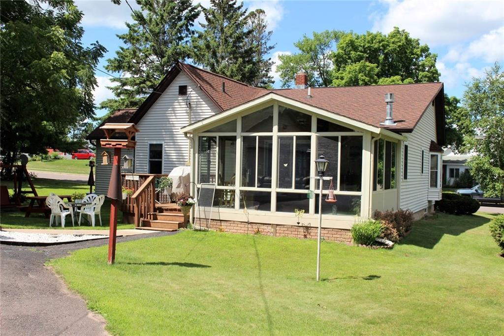 214 8th Avenue Property Photo - Shell Lake, WI real estate listing