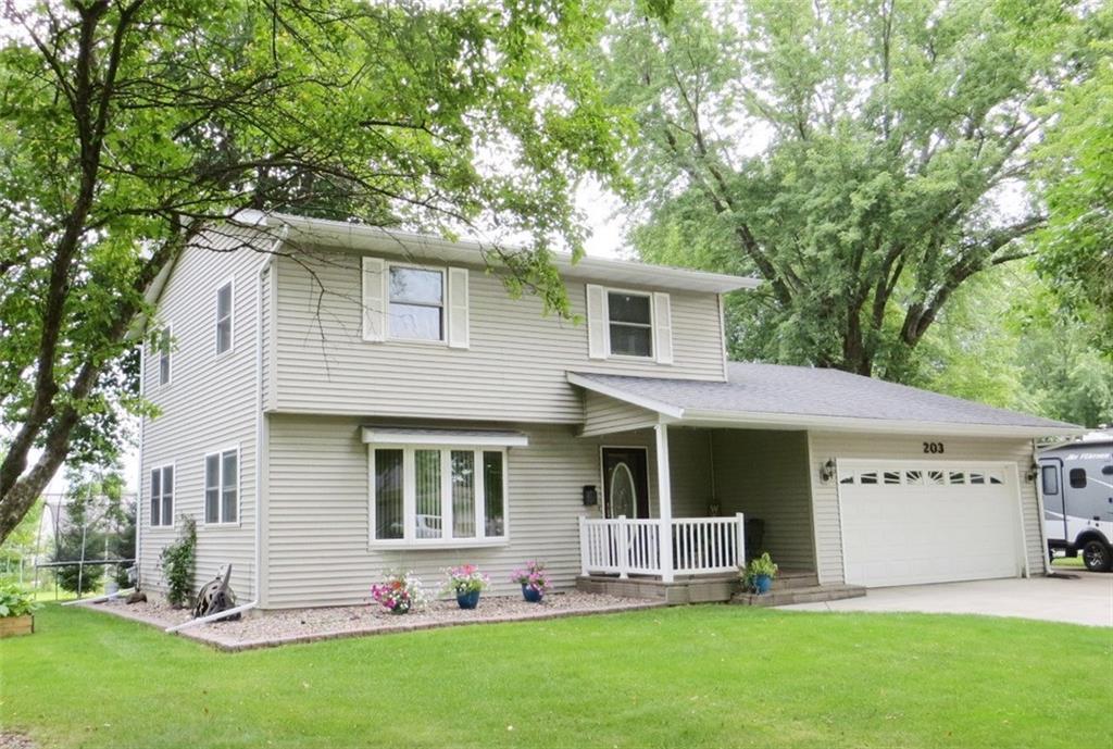 203 E Maple Street Property Photo - Thorp, WI real estate listing