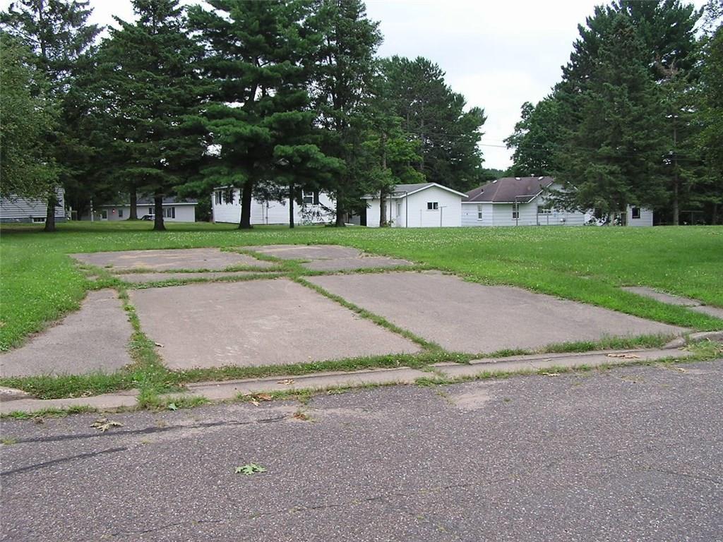 515 E 10th Street S Property Photo