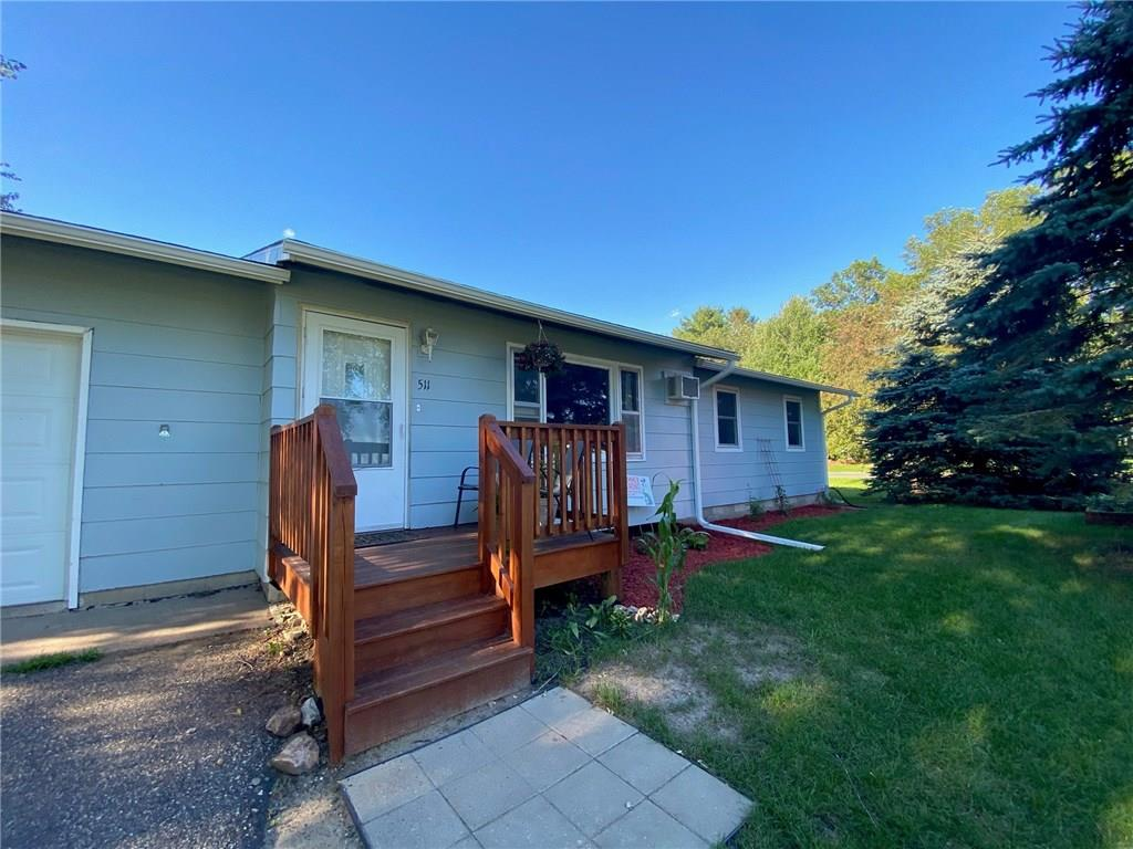 511 Southside Drive Property Photo - Woodville, WI real estate listing
