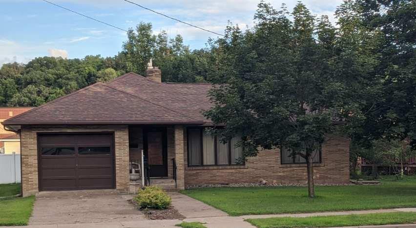 713 E Prospect Street Property Photo - Durand, WI real estate listing