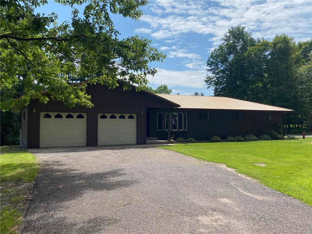 686 Oak Street Property Photo - Barron, WI real estate listing