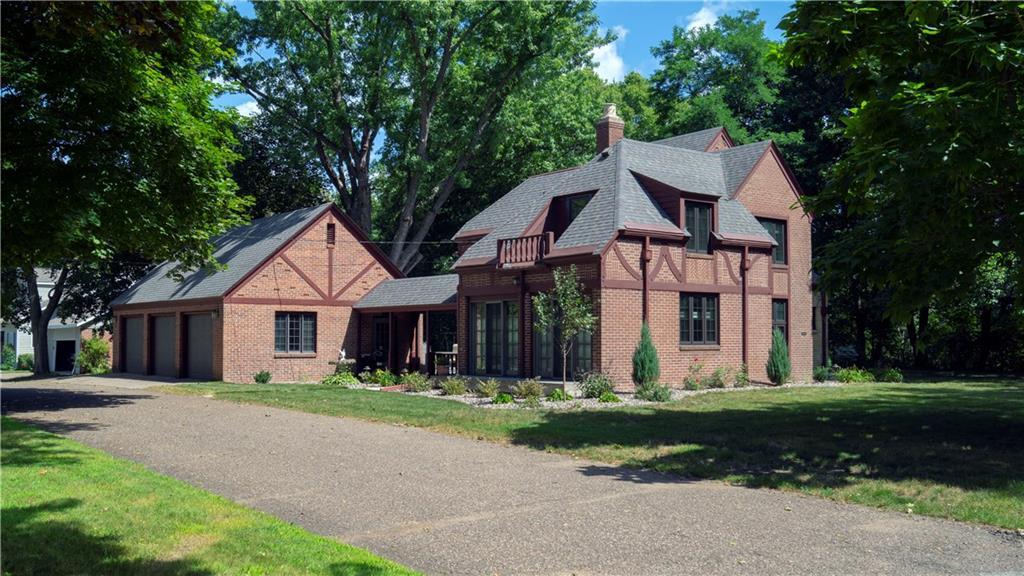 300 Macomber Property Photo