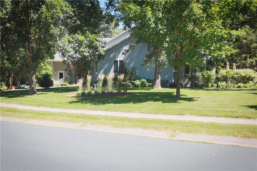 752 River Ridge Road Property Photo - River Falls, WI real estate listing