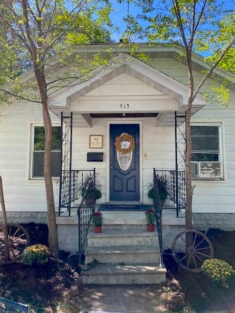 913 James Street Property Photo