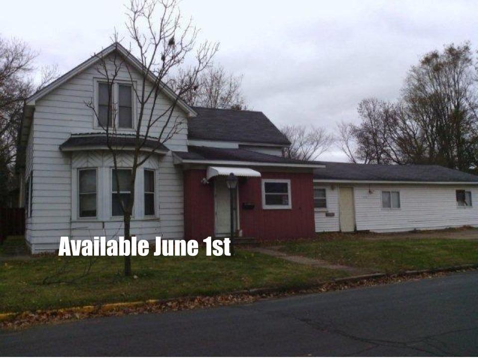 1321 2 Street W Property Photo