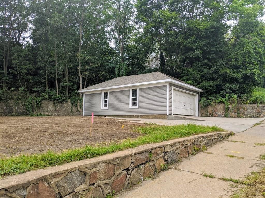 610 Island Street Property Photo