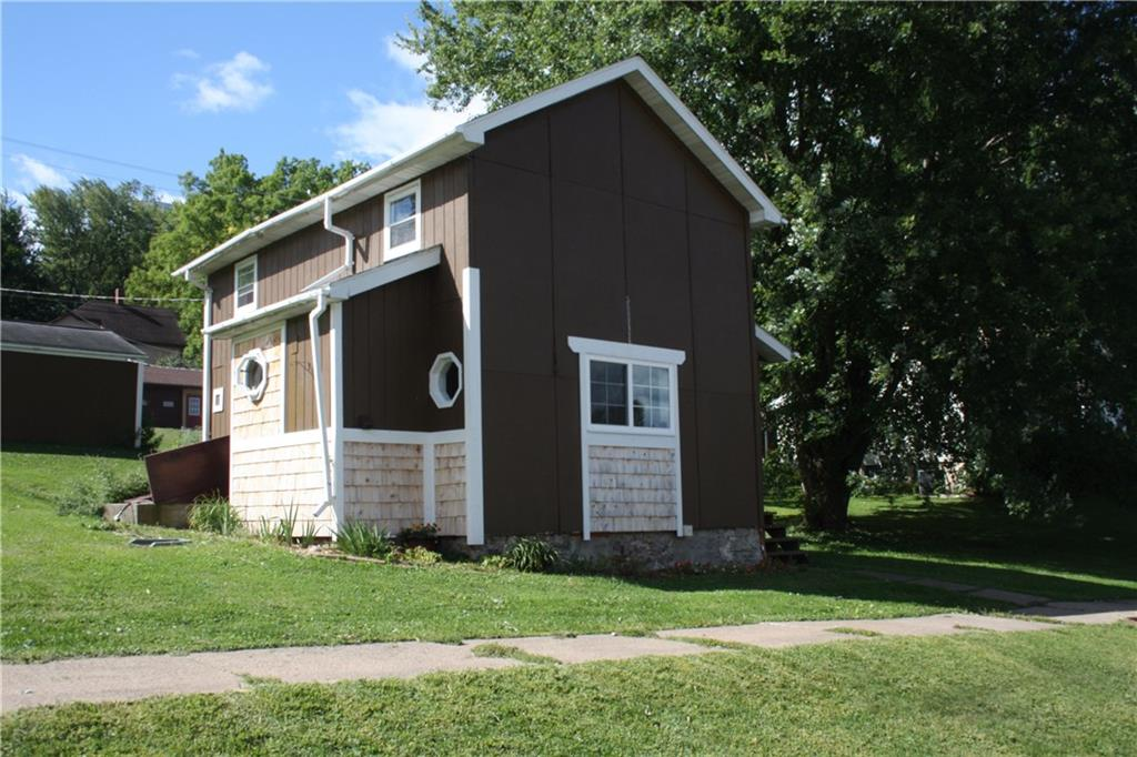 410 E 6th Street Property Photo - Neillsville, WI real estate listing