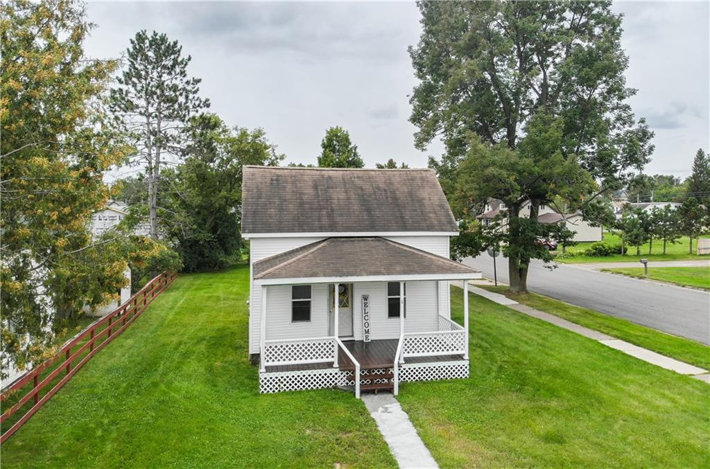 6 E Grove Avenue Property Photo - Barron, WI real estate listing