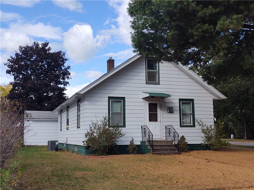 704 Gilbert Street Property Photo