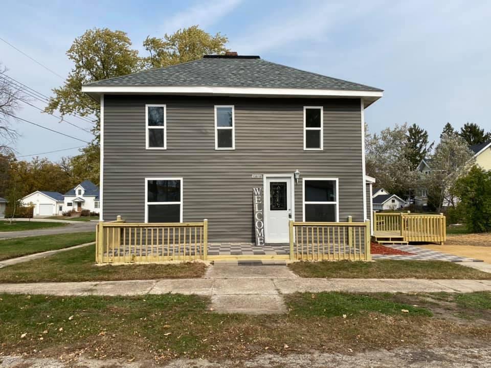 13818 11th Street Property Photo