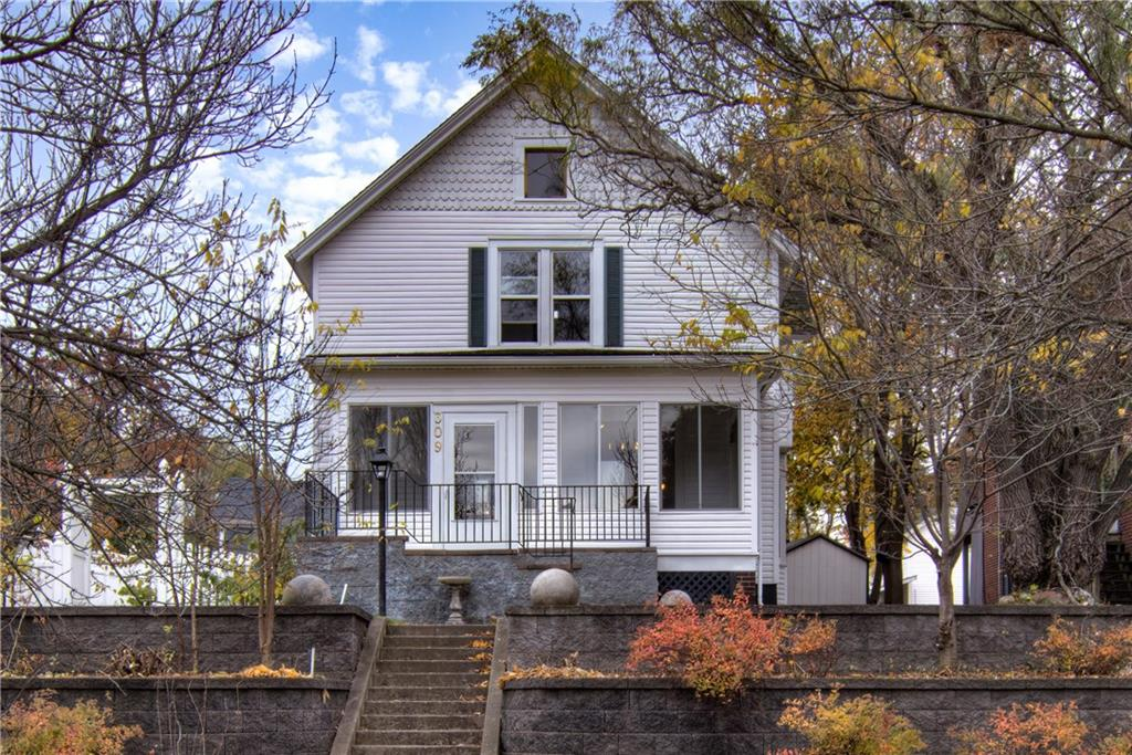 309 W Willow Street Property Photo