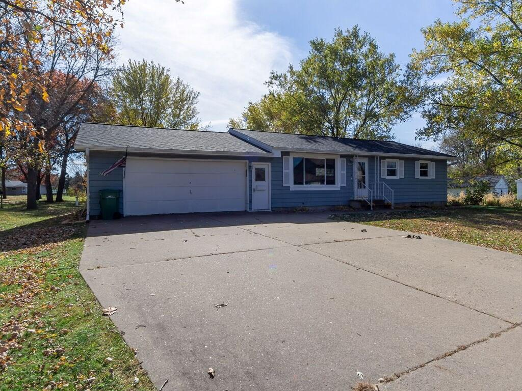 13019 Thomas Street Property Photo - Osseo, WI real estate listing