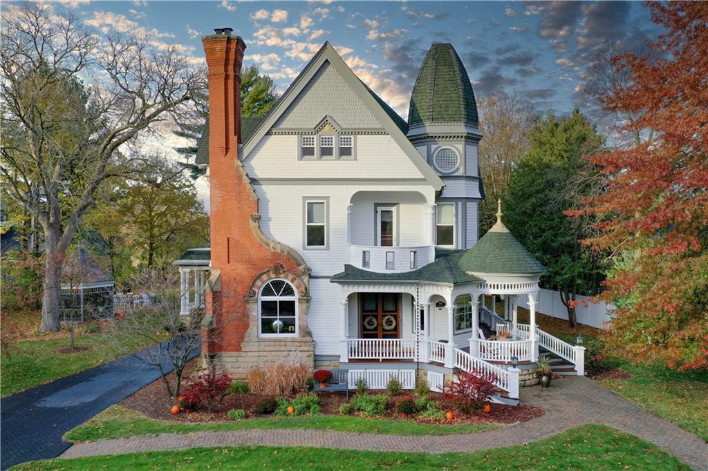 210 Oakwood Place Property Photo