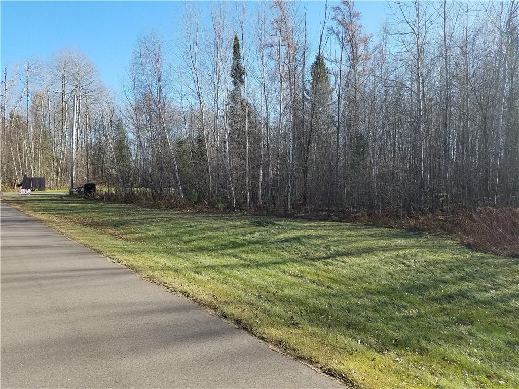 On Green Tree Drive Property Photo