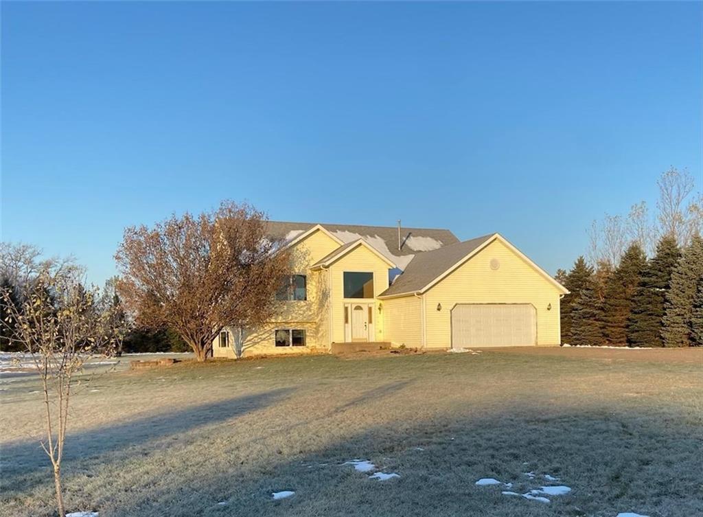 1113 212th Avenue Property Photo - New Richmond, WI real estate listing