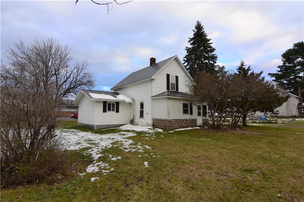 1038 N Alvey Street Property Photo - Bruce, WI real estate listing