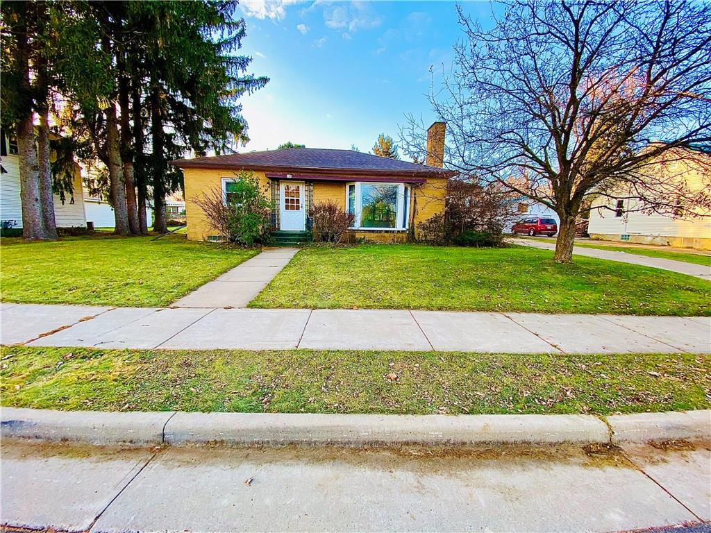 106 E Elm Street Property Photo - Thorp, WI real estate listing