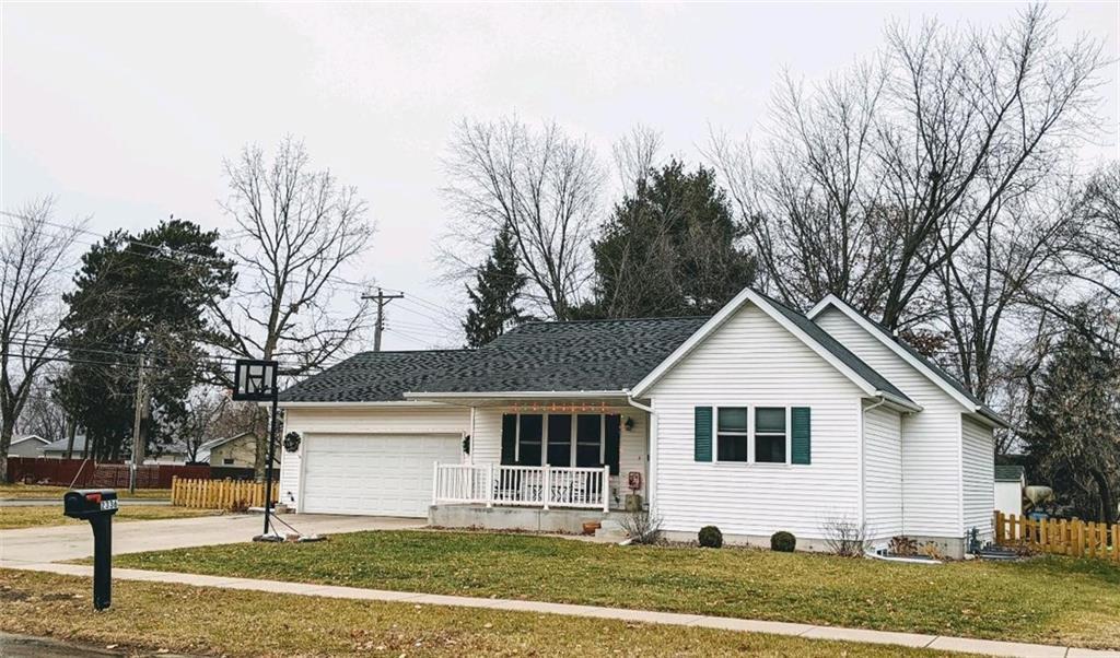 2336 Bradwood Avenue Property Photo - Altoona, WI real estate listing