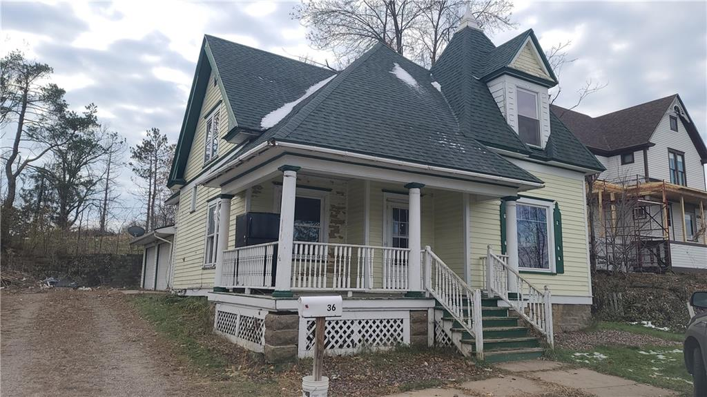 36 W Division Avenue Property Photo - Barron, WI real estate listing