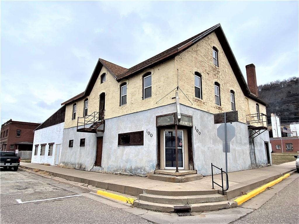 100 N Main Street Property Photo - Cochrane, WI real estate listing
