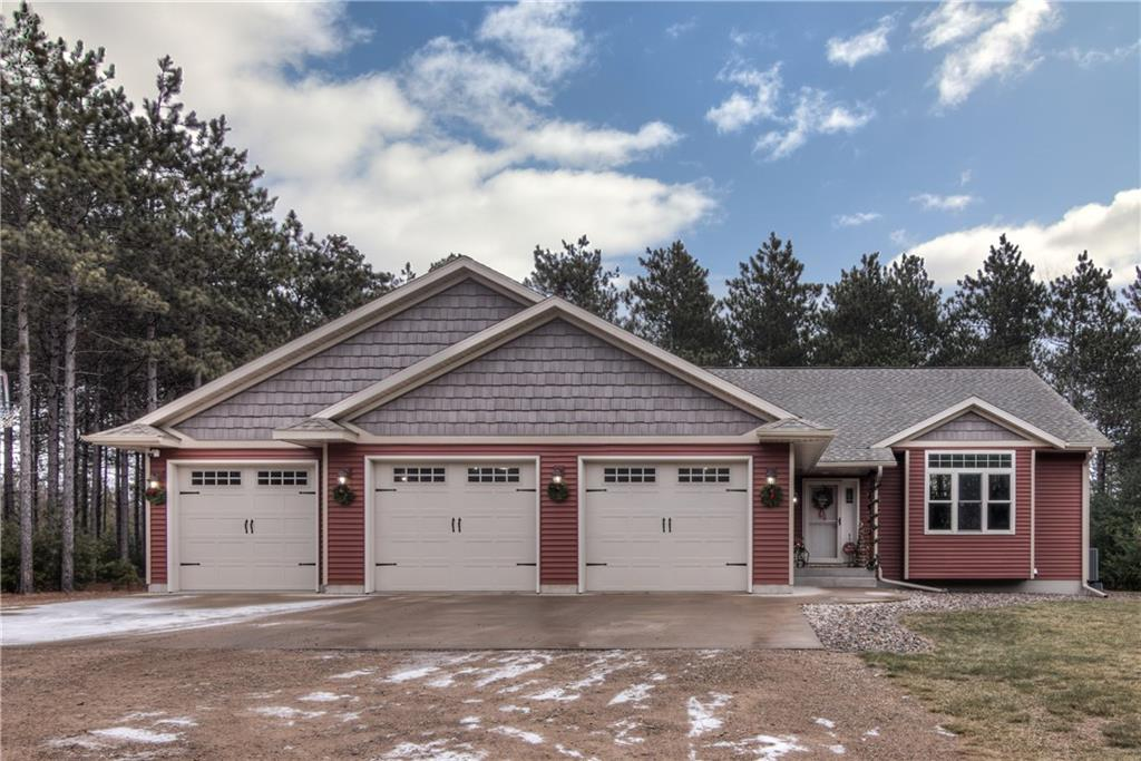 945 S Riverview Drive Property Photo - Fall Creek, WI real estate listing