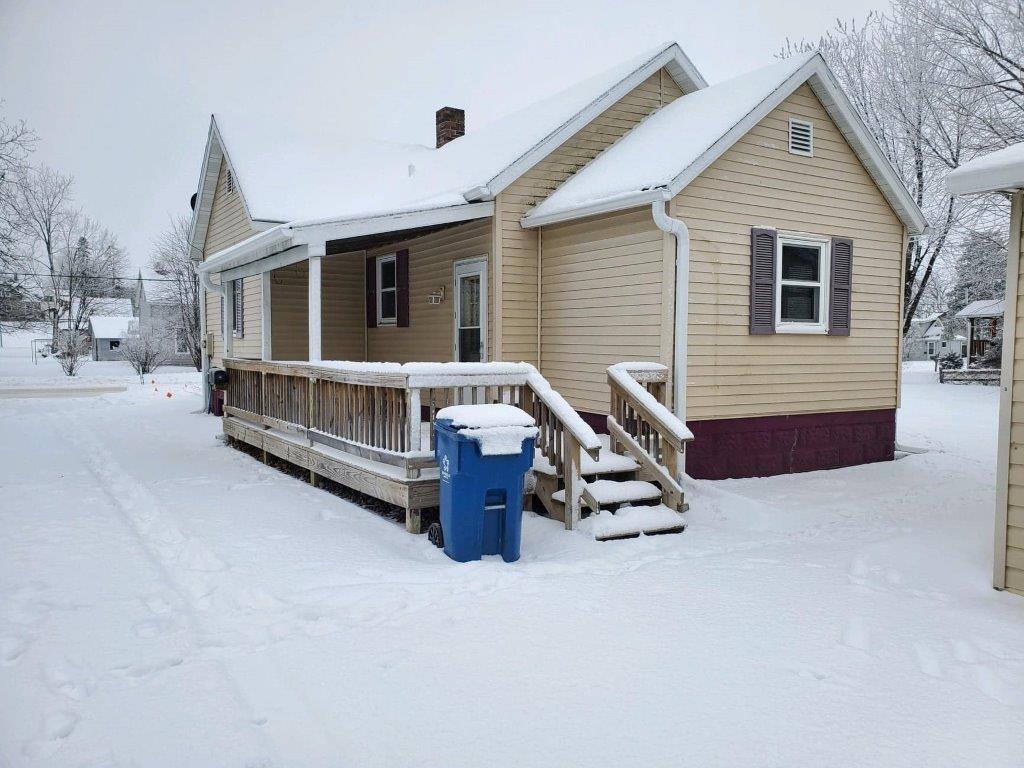 135 W Franklin Avenue Property Photo