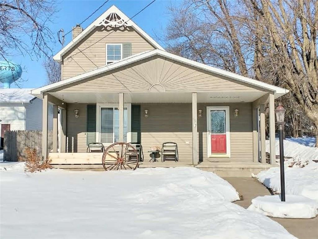 109 W Maple Street Property Photo - Roberts, WI real estate listing
