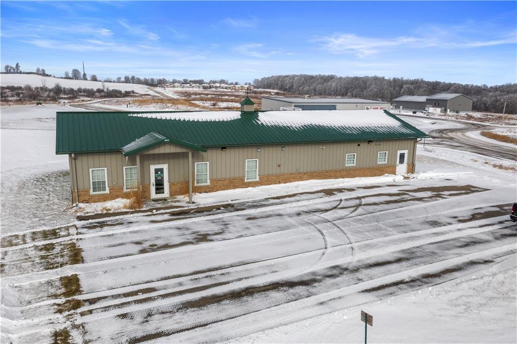 S1095 Westland Drive Property Photo