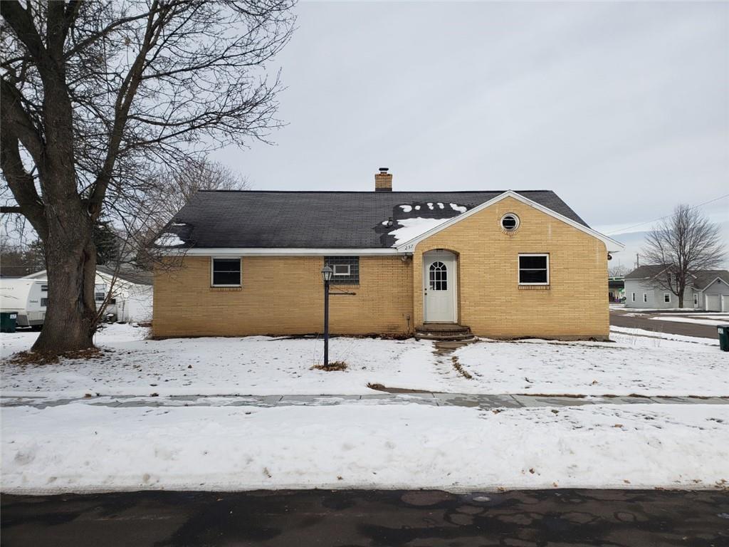 257 E Mckinley Avenue Property Photo - Fall Creek, WI real estate listing
