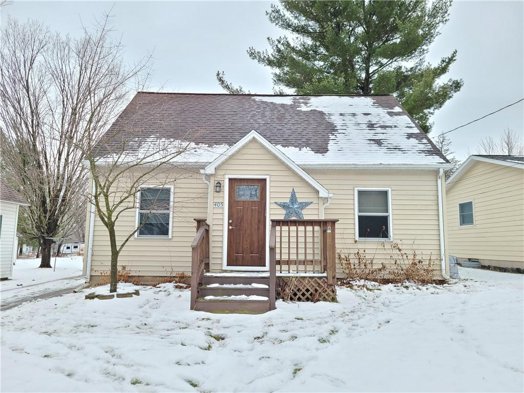 405 W School Street Property Photo - Thorp, WI real estate listing