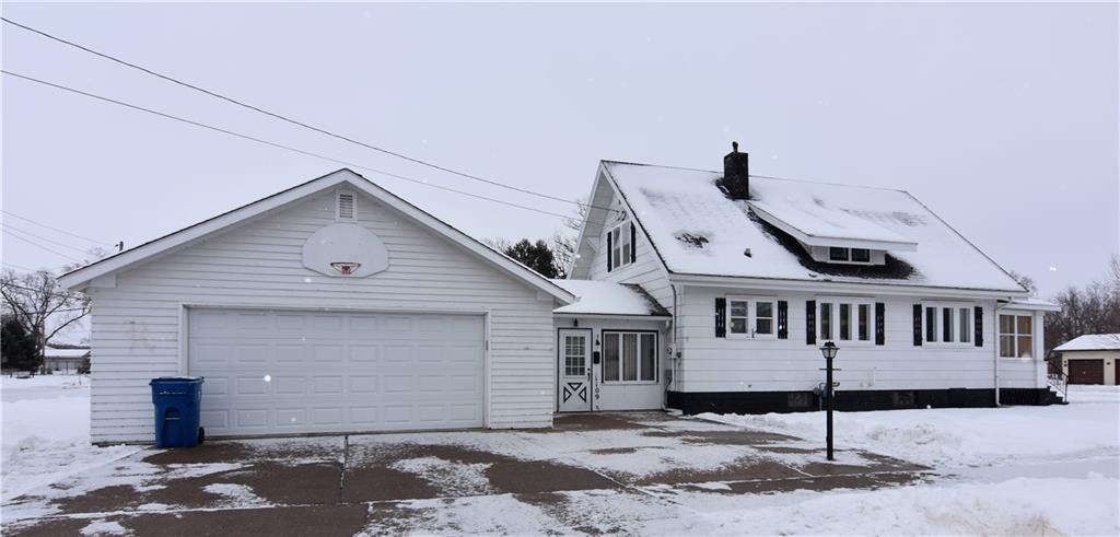 1109 E La Salle Avenue Property Photo - Barron, WI real estate listing