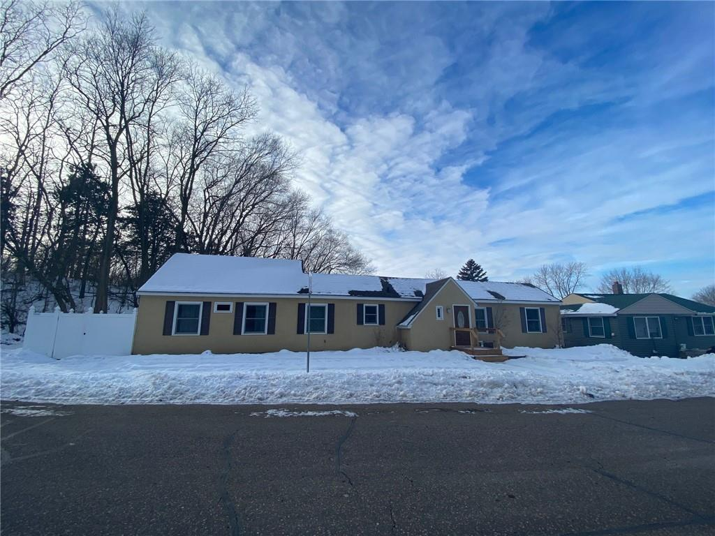 807 11th Street Property Photo - Hudson, WI real estate listing