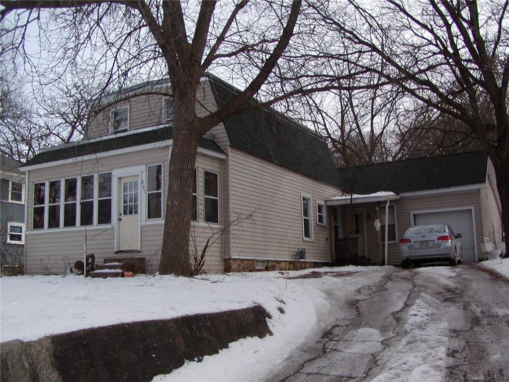207 W Montgomery Street Property Photo - Durand, WI real estate listing