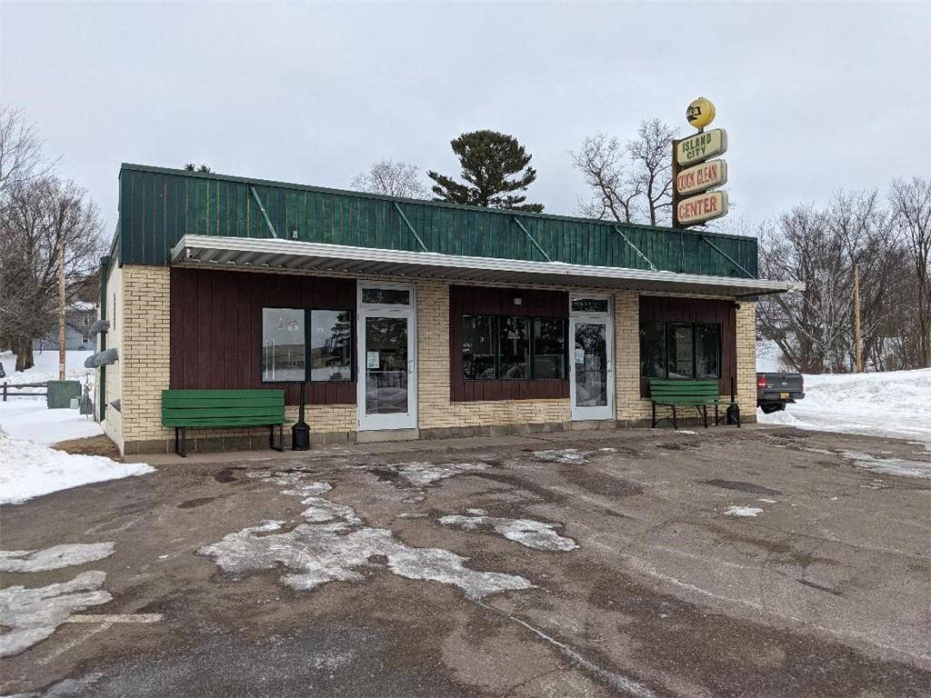 1665 Superior Avenue Property Photo - Cumberland, WI real estate listing