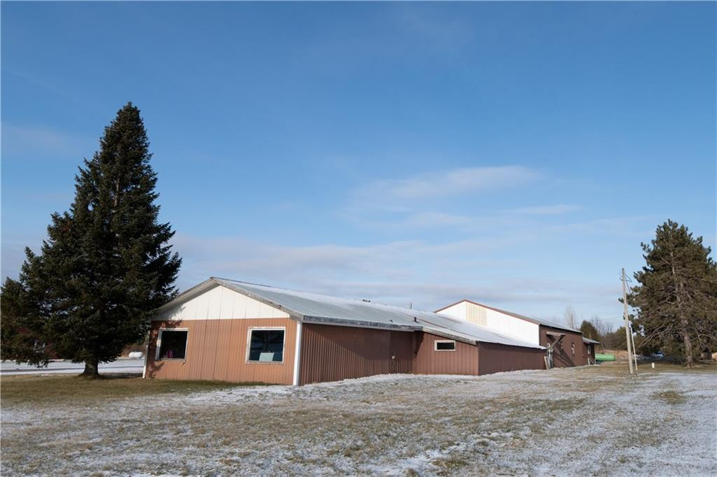 5216 N Strouf Avenue Property Photo - Winter, WI real estate listing